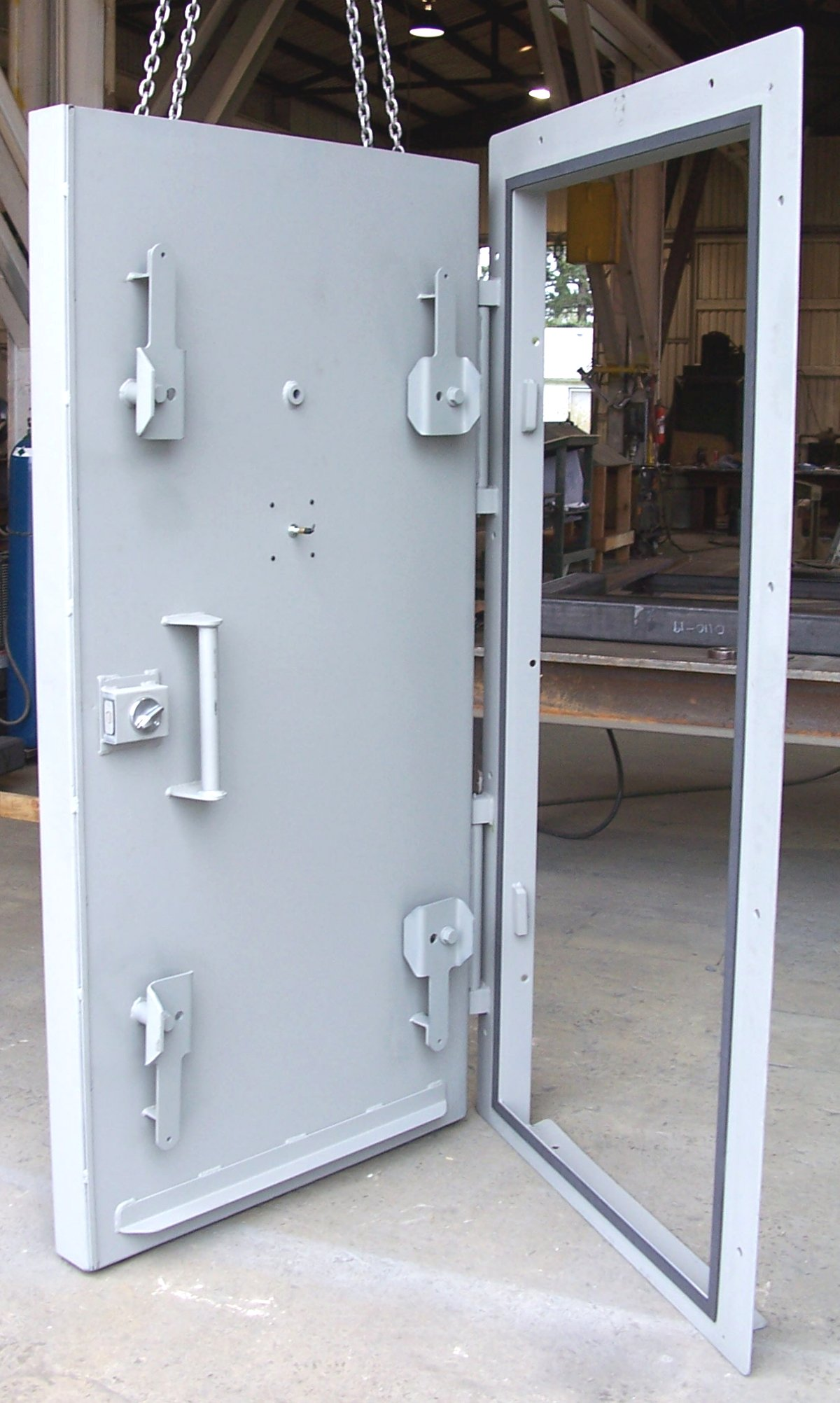 Single leaf blast door - open & Heavy duty blast resistant doors blast resistant hatches and ...